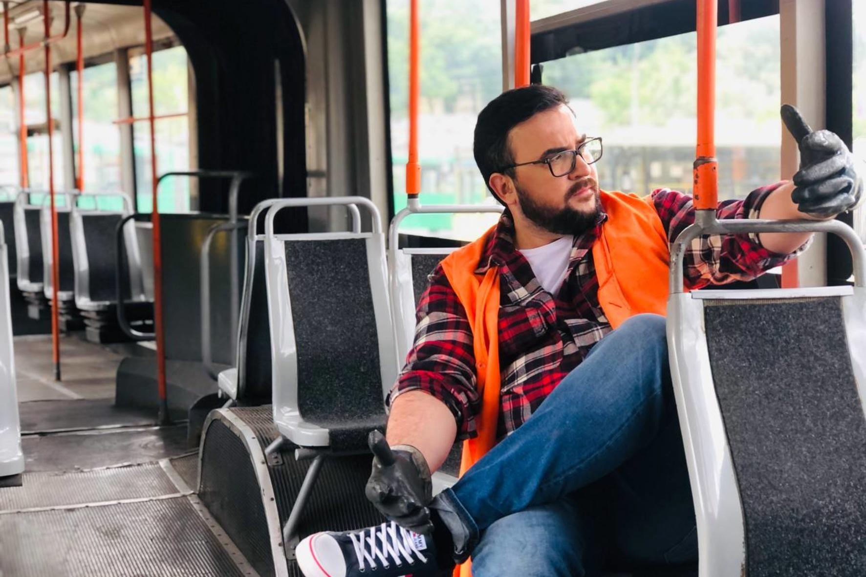 Руслан Сенічкін здійснив мрію дитинства та покермував тролейбусом