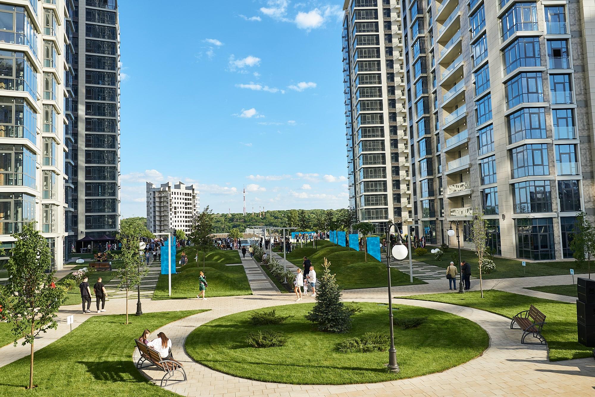 """Грандіозне відкриття нового фонтанного комплексу і 6-ї черги будівництва елітного кварталу ЖК """"Новопечерські Липки"""""""